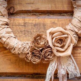 Maakodu, käsitöö, suur roos, Vaarikas vahukoorega