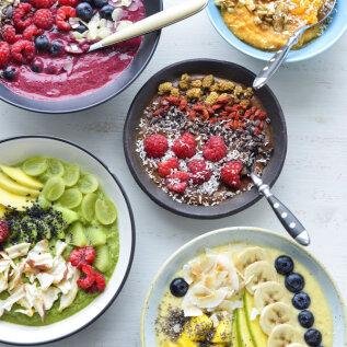 Lihtne ja toitainetest punnis hommikusöögivalik — kausismuutid