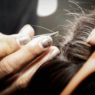 Kas hallide juuksekarvade tekkimine on võimalik ära hoida? Nende trikkidega mingil määral jah