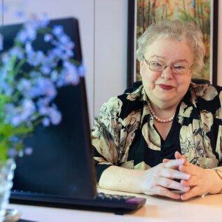 """Nelli Kalikova oli jaanuaris neerukivide tõttu haiglas, kus oli aega mõelda raamatu kirjutamisele: """"Seoses eriolukorraga on palju tööd, narkomaanid pöörduvad üha enam nõustamisele, aga üks aidsiteemasid puudutav raamat võiks tulla küll."""""""