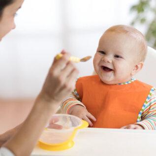 Lastearst selgitab: millal alustada lisatoiduga ja millal muretseda, et beebi sellest keeldub?