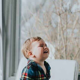 10 nõuannet, et lasteaia või -hoiu harjutamise tagasilöökidest üle saada ja lapse stressi leevendada!