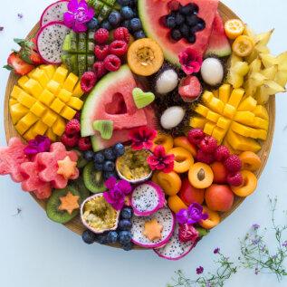 KATAME LAUA | Mahlane ja magus puuviljailu, mille peale jääb veel elegantselt puistata mõni lilleõis