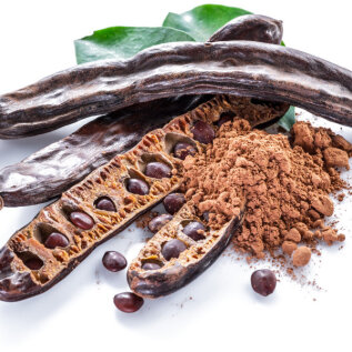 Kaarobi ehk jaanikaunapulber – kakaomaitseline ja looduslikult magus ning ülimalt väärtuslik toiduaine