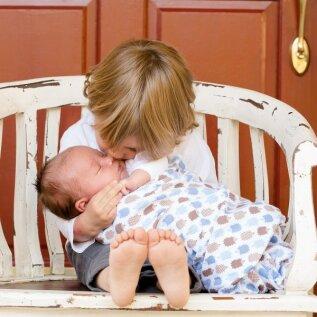 Need 5 asja on võõra beebiga keelatud: mõnel on savi, kui vanem laps lohistab beebit oma nukuvankris ringi või veab jalgupidi järele. Minul mitte!