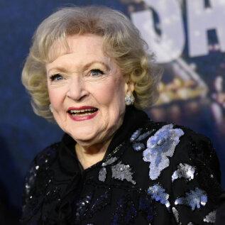 Näitleja Betty White avaldas oma 99. sünnipäeva eel, mis hoiab teda jätkuvalt terve ja nooruslikuna