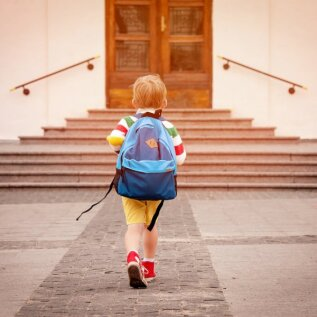 Laps peaks sügisel kooli minema, aga ei oska lugeda. Mida teha?