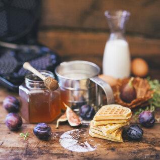 AEGUMATU LEMMIK | Valmista nädalavahetusel vahvleid: magusaid, soolaseid, õhukesi või pontsakaid. Vaata maitsekombosid!