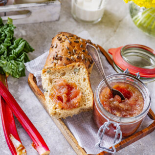Rabarberihoidised, milles rohkelt maitset, värvi ja lõhna: moos, džemm, mahl ning siirup