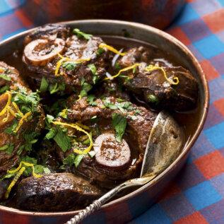MEHINE PRAAD | Osso bucco ja juustune kartulipüree röstitud sibulaga