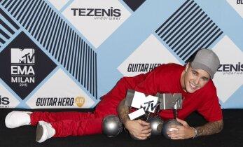 SUUR GALERII! Leegid, megaartistid ja siredad sääred: Eile õhtul jagati Milanos MTV Euroopa muusikaauhindu suurejoonelise šouga