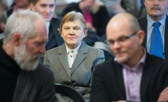 Üksikkandidaat Svetlana Ivnitskaja kriitika riigikogu lahtiste uste päeval: Häbi! Andke parem lastele raha toidu peale!