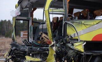 Bussifirma: Tudulinna õnnetuses surma saanud mees oli staažikas bussijuht