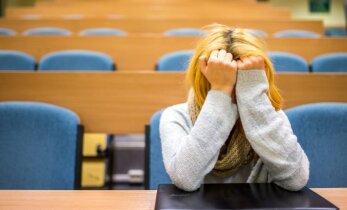 7. klassi õpilane: kool on muutunud õudusunenäoks: hinded langevad, õpetaja hoiab kahe käega peast kinni...