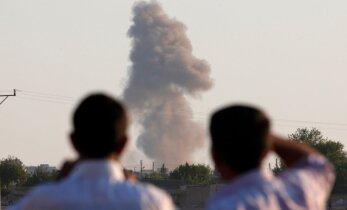 В результате трех взрывов в Багдаде погибли более 63 человек