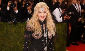 FOTOD: Madonna võitleb paljastava Met Gala kostüümiga naiste õiguste eest: see oli poliitiline seisukoht