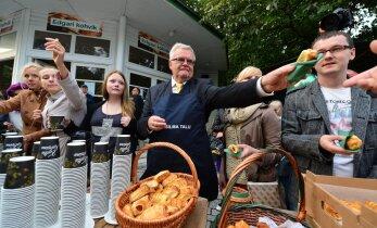 Keskerakonnalt nõutakse kohvi ja pirukate eest 7000 eurot