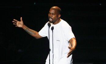 Blondiinidel on lõbusam: Haiglast välja pääsenud Kanye West läbis välise uunduskuuri ning astus esimest korda avalikkuse ette