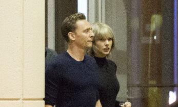 Uus mees ja uus dekoltee? Taylor Swift demonstreeris varasemast kopsakamat rinnapartiid