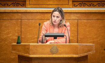Oudekki Loone: on absurdne, et kapol kui parlamendivälisel institutsioonil lubatakse parlamendiliikme kõnesid pealt kuulata