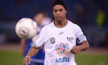 Ronaldinho ja Riquelme võivad liituda lennuõnnetuses mängijad kaotanud Brasiilia klubiga