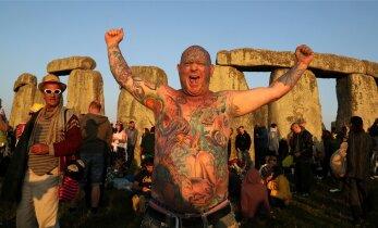 Stonehenge on inspireerinud nii bände kui ka kanasuveniiri meistrit
