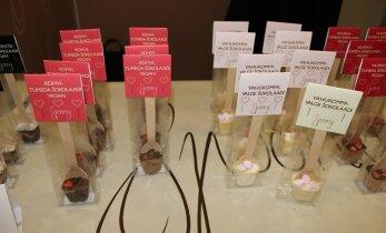 Sulavad šokolaadisüdamed murdsid Eesti õpilasfirmade laadel külastajate südamed