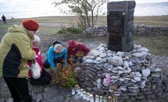 DELFI FOTOD: Tagarannal mälestati Estonia katastroofis hukkunuid