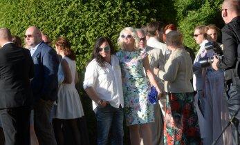 Metsatöllu trummar Marko Atso naudib armuõnne kauni blondiiniga, kes teise mehega abielus
