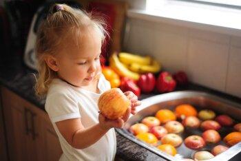 Toitumisteadlane soovitab: tervislikud vahepalad väikelapsele põhitoidukordade vahel