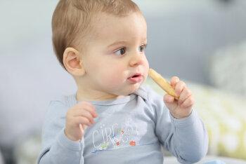 Millised märgid näitavad, et laps võib olla vasakukäeline ja kas peaks teda siis ümber õpetama hakkama?