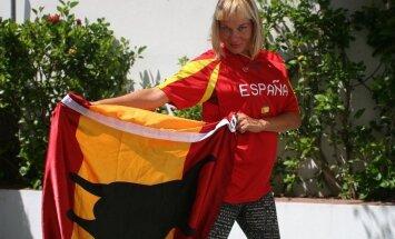 Ajakirjanik Helen Eelrand naasis pärast seitset Hispaania-aastat Eestisse: tasapisi hakkas tekkima tunne, et kõik seisab paigal, nagu lõunas enamjaolt