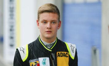 Mick Schumacher rääkis esimest korda pärast traagilist õnnetust oma isast