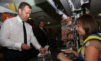 Venemaa peaminister hakkab isiklikult toidupoode kontrollimas käima