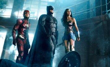 """KOLM KLIPPI ÜHES: DC superkangelaste seni suurima filmi """"Justice League"""" tegijad õrritavad fänne värskete kaadritega"""