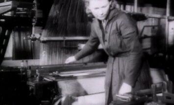 VANAD FILMIKAADRID AASTAST 1958: Vaesed mehed pidid naistele õhtukleitide jaoks Punase Koidu valmistatud uut muareekangast ostma!
