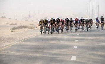 Dubai velotuuri kimbutavad liivatormid