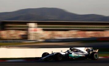 Konkurents on tihenenud, aga Mercedesed on endiselt favoriidi staatuses. Pildil katsetab oma uut töövahendit tiimis Nico Rosbergi koha saanud Valtteri Bottas.