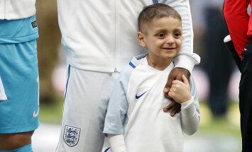 Emotsionaalne hetk: Inglismaa koondislase kõrval kõndis Wembleyle poiss, kel vaid mõni kuu elada jäänud