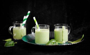 Kaks suhkruvaba ja vitamiinidest pakatavat suvesmuutit, punane ja roheline