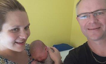 FOTOD: 4,4 kg ja 53 cm puhast rõõmu! Kaitseminister Hannes Hanso sai taas isaks