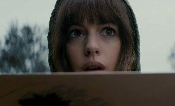 """TREILER: """"Colossal"""" on koletisefilm, milles Anne Hathaway kontrollib hiiglaslikku monstrumit"""