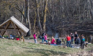 Grillimine ja piknik Pirita jõe ääres