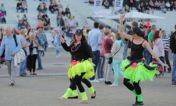 FOTOD: See pidu küll ei unune iial! 90ndate megastaar Dr. Alban tähistab Tallinna Lauluväljakul toimuval retrofestivalil oma sünnipäeva