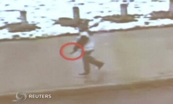 VIDEO: Politsei tulistas USA-s 12-aastast õhurelvaga poissi paari sekundi jooksul