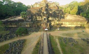 DROONIVIDEO: Lend iidse Angkor Wati templikompleksi kohal