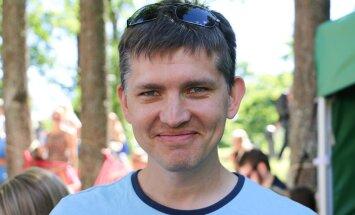 Reedel, 28. oktoobril kell 14.05 on saatejuhina Vikerraadio eetris Mirko Ojakivi.