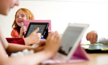 Эксперимент показал, что контролировать время общения детей с гаджетами бесполезно