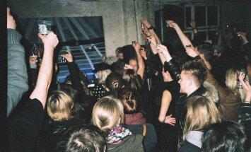 PUBLIKU PEOSOOVITUS: Täna õhtul pääsevad põraandaaluse tantsumuusika ässade rütmis valla Telliskivi Suveklubi uksed!