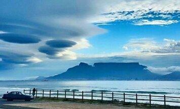 ФОТО: НЛО над ЮАР? Жители Кeйптауна стали свидетелями редкого явления